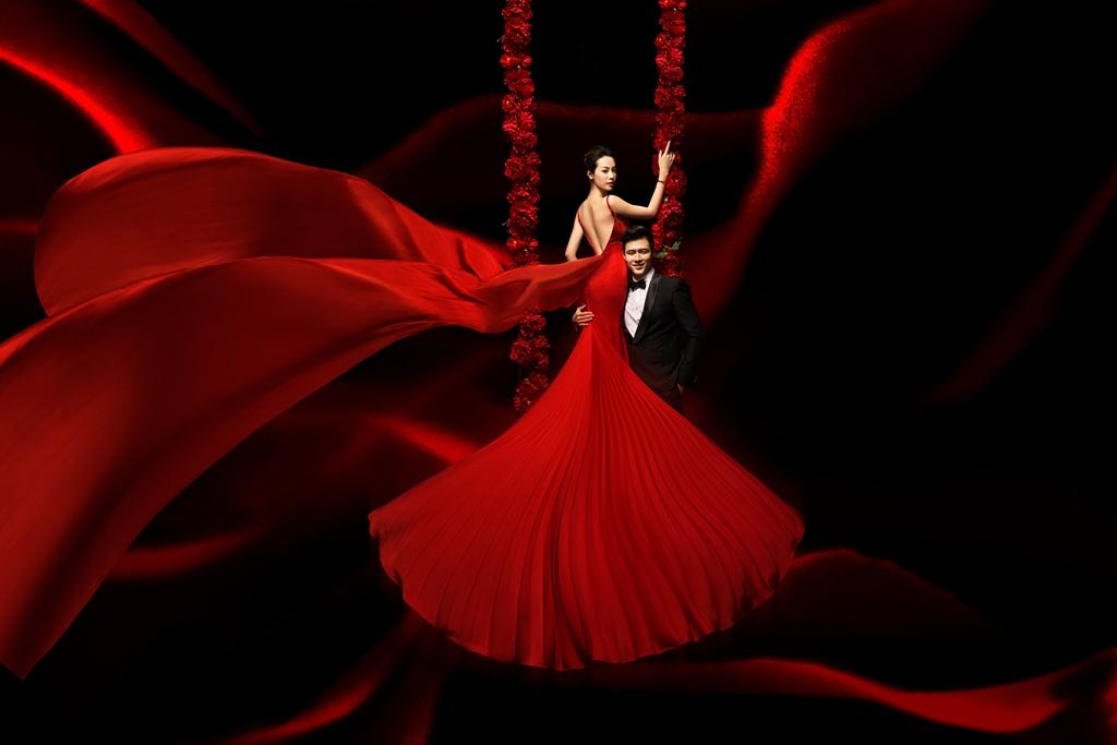 中式婚紗龍鳳褂與品牌秀禾禮服